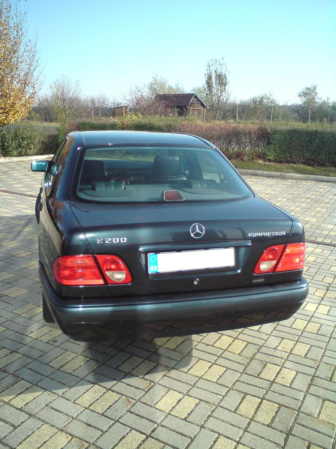 mercedes benz w124 uae